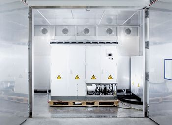 SMA inverters in the climate chamber test